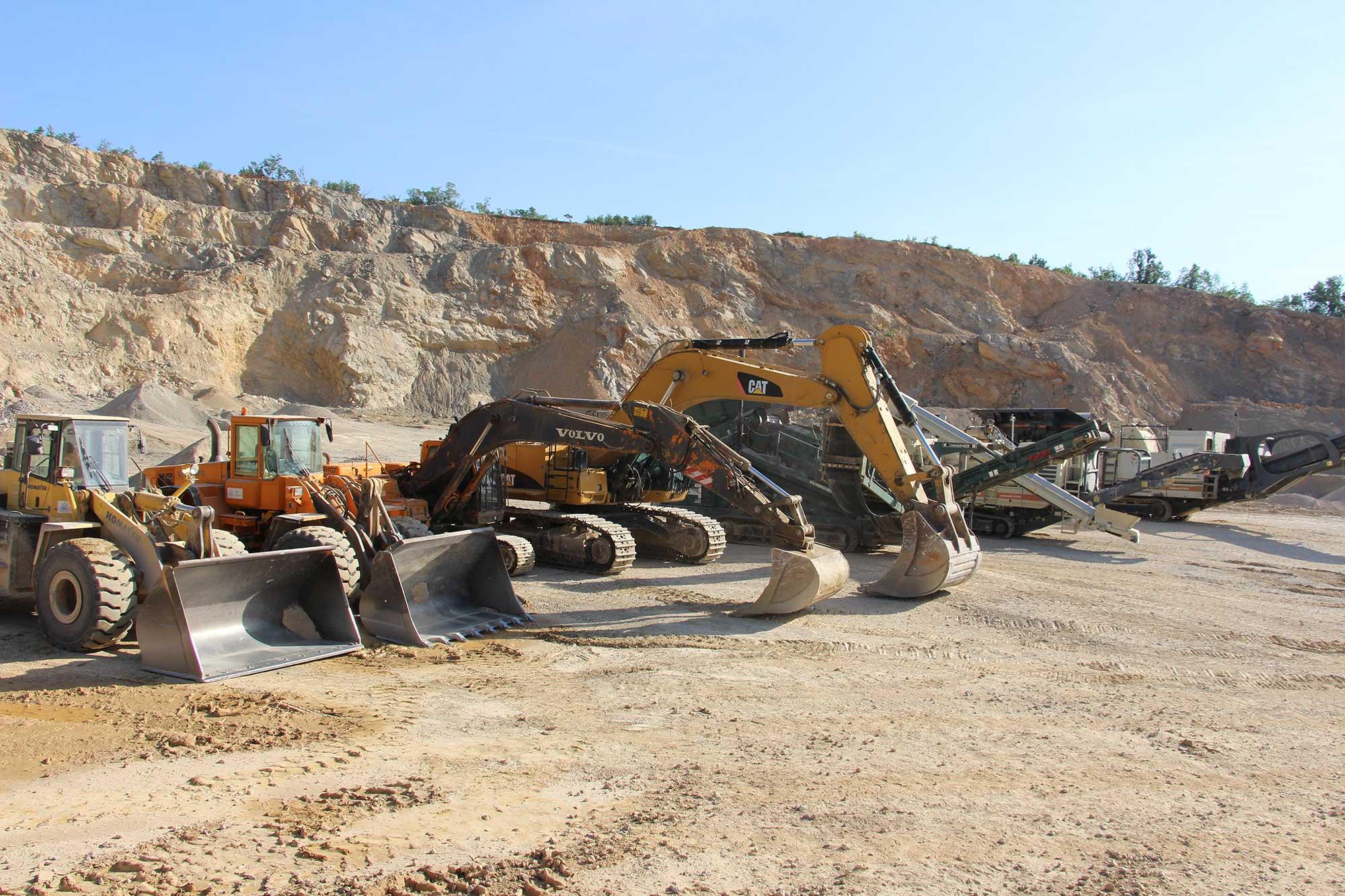 Kamen i pesak doo masine na kamenolomu
